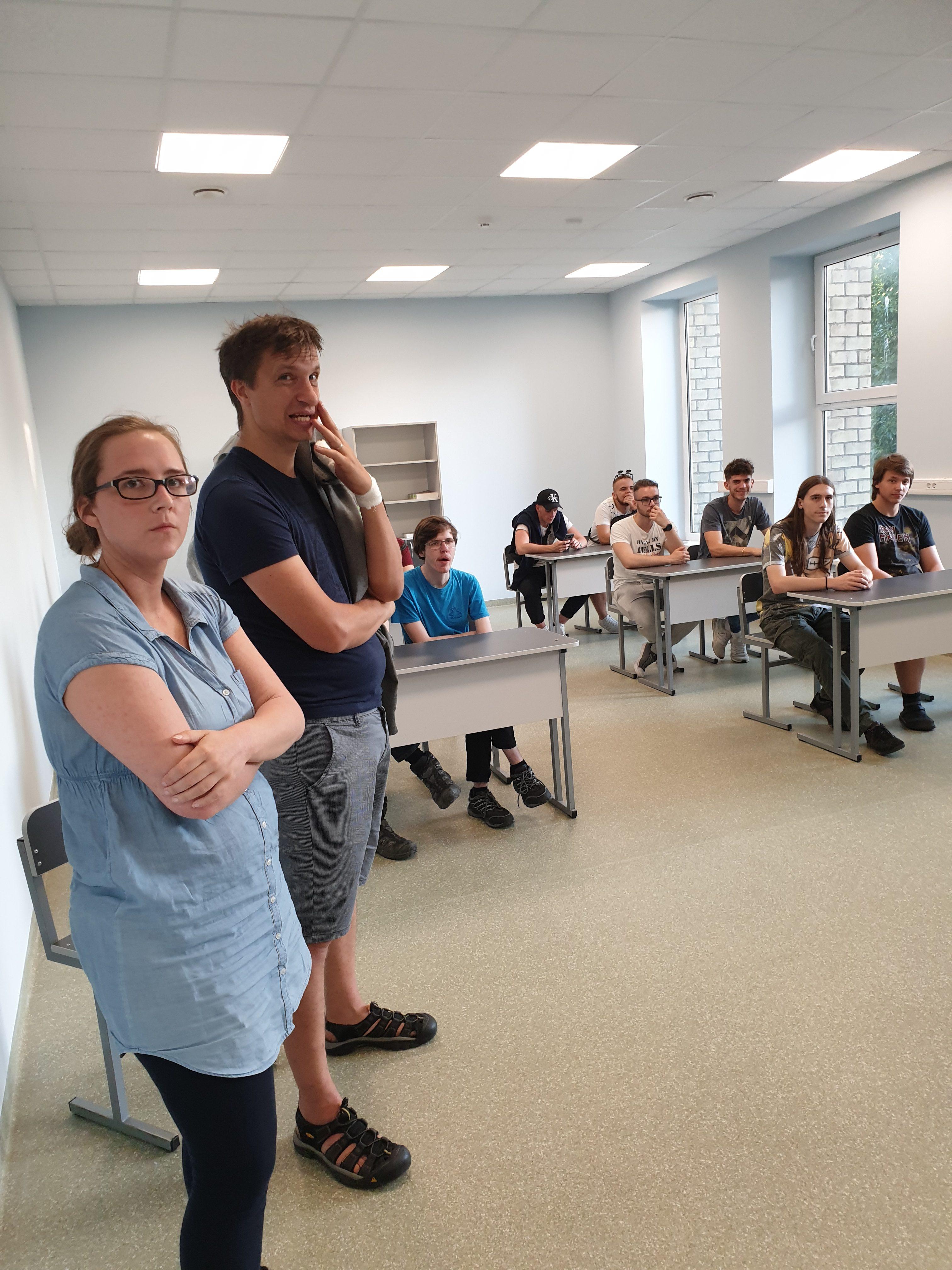 """Studentai iš Slovenijos technikos vidurinės mokyklos """"Srednja šola tehniških strok Šiška""""  pradėjo praktiką pagal Erasmus plus programą 2018-1-SI01- KA102-046837"""